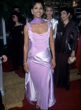 ANCHOR-halle-berry-oscar-red-carpet-dress-style-1998-vera-wang-pictures