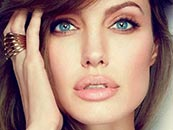 angelina-jolie-actress-lips-photo1