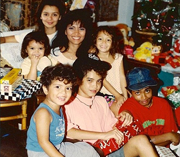 music-star-bruno-mars-family-parents-photo-image