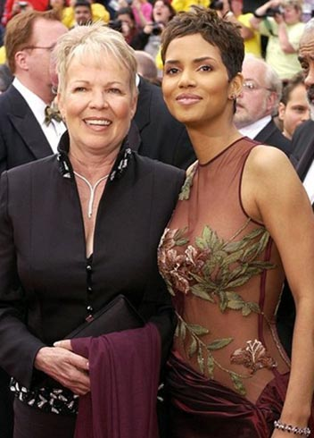 black-hollywood-film-actress-halle-berry-parents-mother-judith-ann-pictures-photo