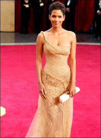 halle-berry-oscar-red-carpet-dress-hollywood-style-2003-elie-saab-pictures