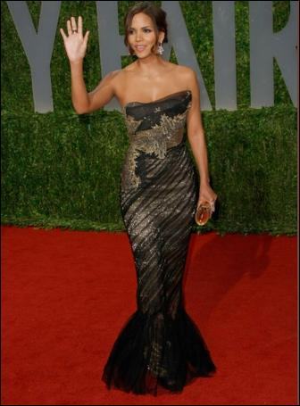 Best Of Halle Berry S Red Carpet Oscars Dresses Fashion
