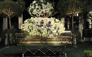music-celebrity-michael-jackson-dead-funeral-casket-photo-picture