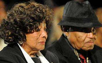 music-celebrity-michael-jackson-dead-funeral-parents-katherine-joe-jackson-photo-picture1