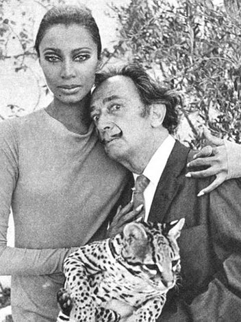 donyale-luna-60s-model-interview-death-with-salvador-dali-1966-photo-picture