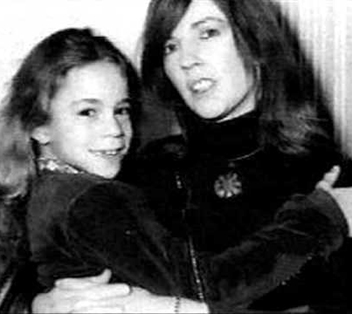 music-celebrity-mariah-carey-mom-patricia-hickey-young-image-picture