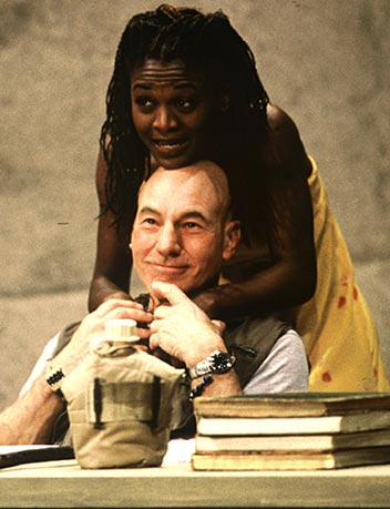 shakespeares-theatre-play-race-is-othello-black-patrick-stewart-white-othello-photo-picture