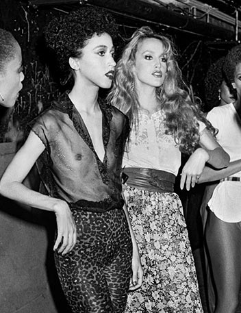pat cleveland famous black fashion model with Jerry hall Studio 54 in the 1970s