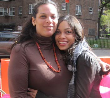 movie-actress-rosario-dawson-parents-mother-isabel-celeste-photo-pic-2