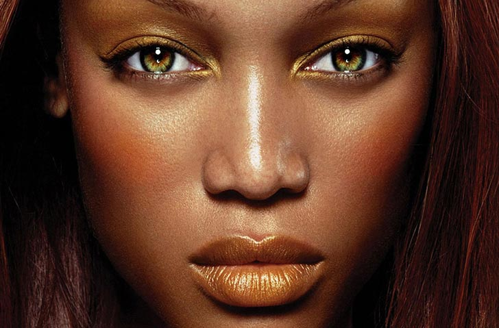 Tyra Banks Eyes Is Green Her Real Eye Color 15 000 Ask