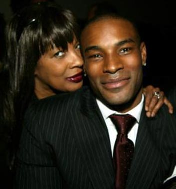black-fashion-model-tyson-beckford-parents-mother-hilary-photo-picture