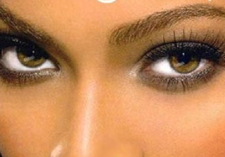 celebrity-singer-beyonce-brown-eyes-color-photo-picture1